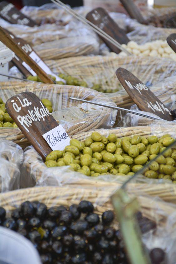 8 reasons to visit Le Pays d'Uzès — Cook'n With Class Uzes #travel #SouthofFrance