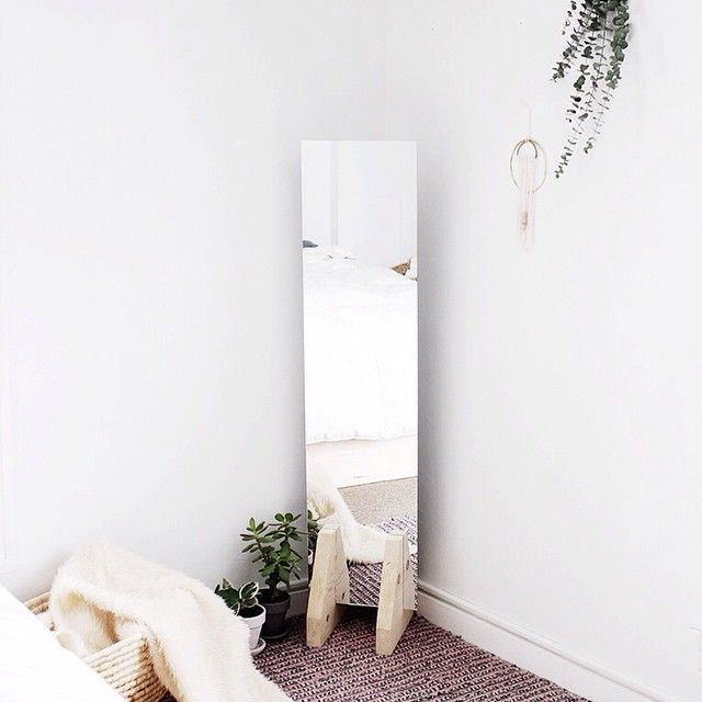 Easy DIY minimalist home decor ideas for makers who love chic, simple design.
