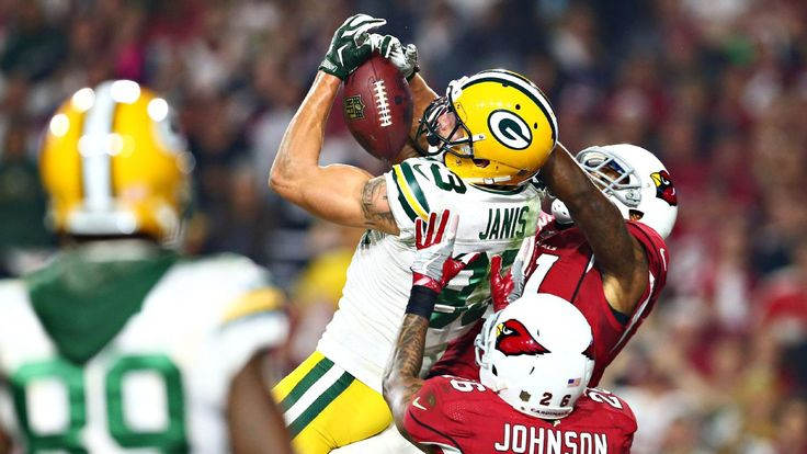 What's trending in the NFL: Aaron Rodgers throws another Hail Mary, but Cardinals win