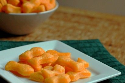 Homemade goldfish crackers! An awesome project to use my teeny alphabet, leaves, and farm animals fondant cutters!
