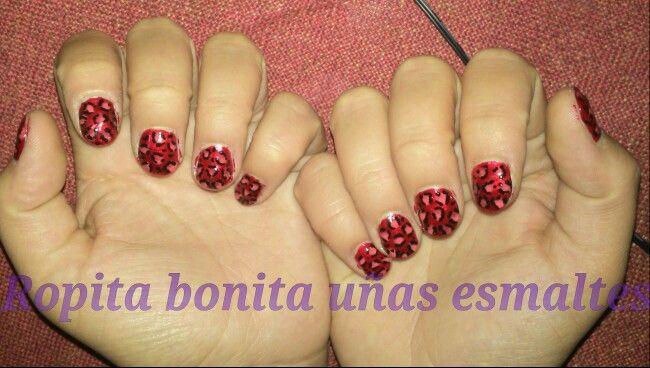 Hermosas uñas con diseño de leopardo rojo y rosado :)