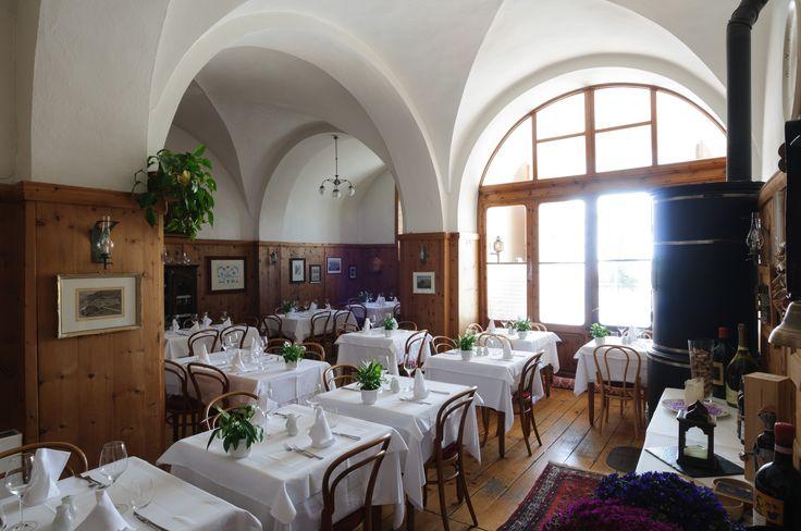 Albergo della Posta, Montespluga A unique spot in the middle of the Alps http://www.amenityadvisor.com/wp/albergo-della-posta/