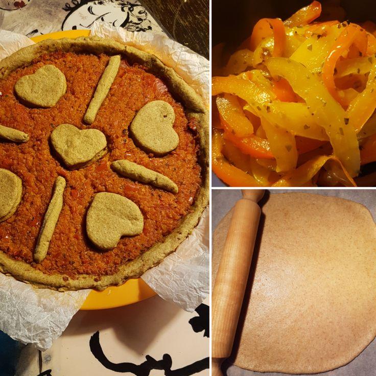 Crostata salata integrale con marmellata di carote e peperoni di Carmagnola (ricetta vegana)
