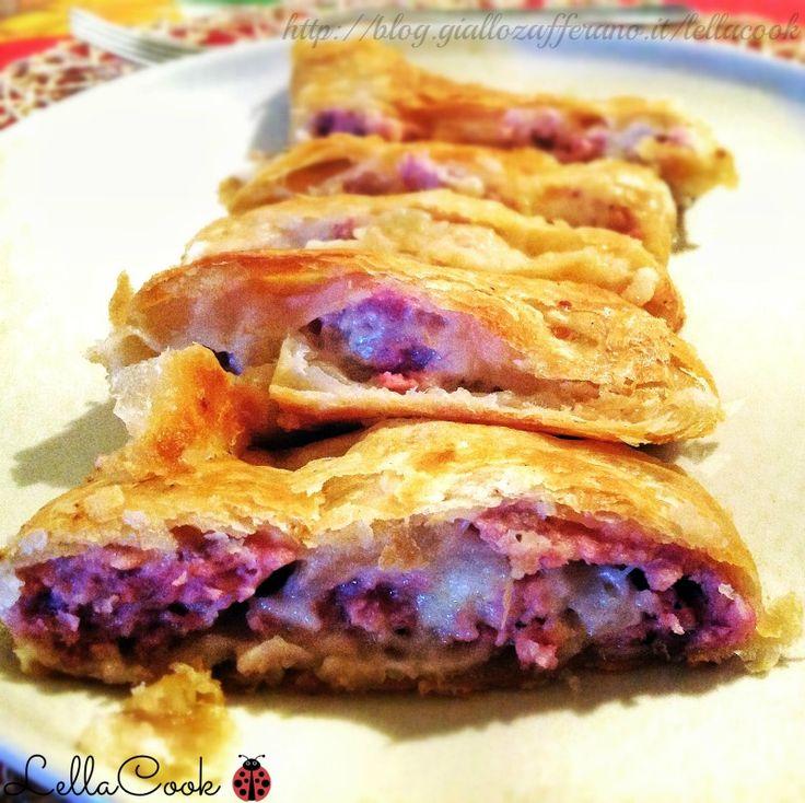Pasta sfoglia con salsiccia - http://blog.giallozafferano.it/lellacook/pasta-sfoglia-con-salsiccia/