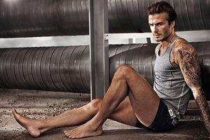 Beckham újra, immáron harmadik éve tűnik fel a H&M kollekciójában. Előtte olyan nevek szerepeltek a svéd márka polcain mint Karl Lagerfeld, vagy éppen Madonna. #David #Beckham #kollekcio #H&M #FashionKilla