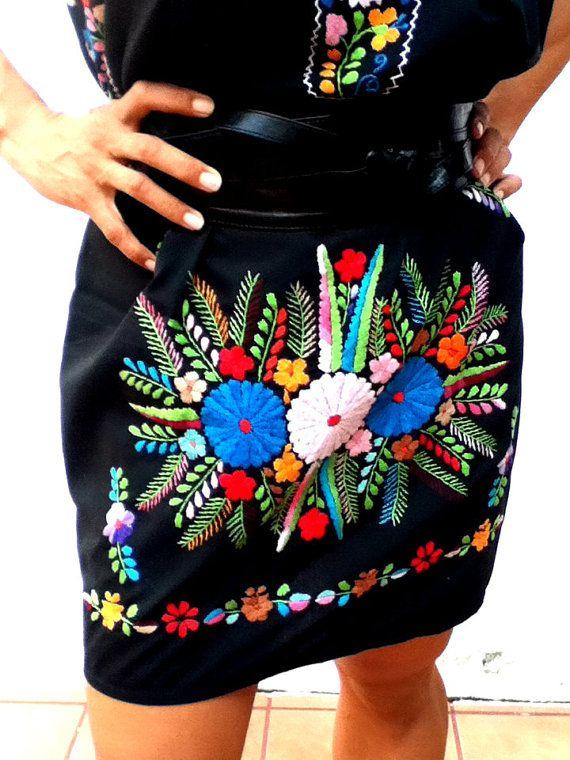 Chelow mexicano bordado vestido completo por EricaMaree en Etsy, $130.00