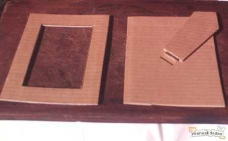 un-marco-para-fotos-de-carton-reciclado-1.JPG                                                                                                                                                      Más
