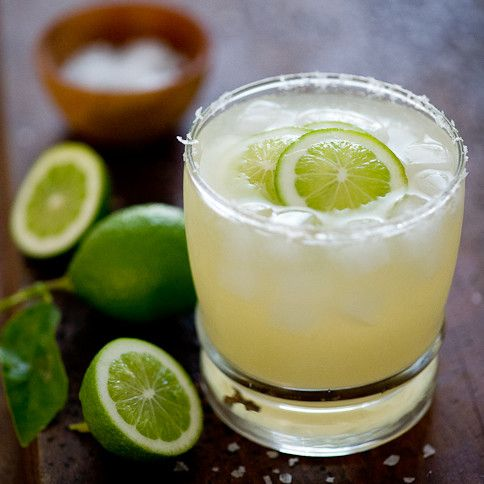 The Best Paleo Cocktail ever, the NorCal Margarita is delicious and simple to make. Get your limes, club soda and clear alcohol of your choice