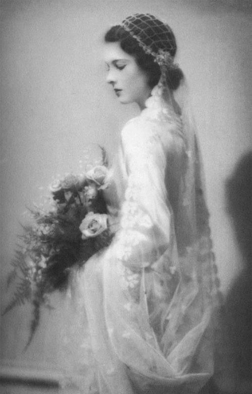 Vivien Leigh on her wedding day.