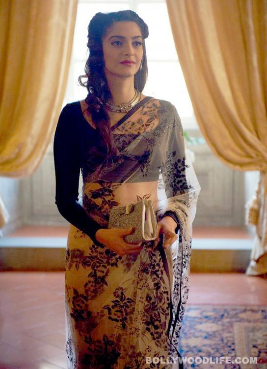 Sonam Kapoor Saree Photo's Sonam Kapoor Wear a Indian Dress and she's look's Very Beautiful in this Saree. Awesome Choice, full slaves Blouse with Printed Saree. #Indianwear#Saree#Indianwedding, #weddingcollection