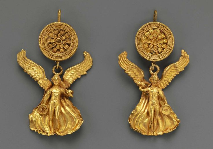 Pair of Greek gold earrings with a disk and Eros | ca. 300 BC, Hellenistic period | Gold.