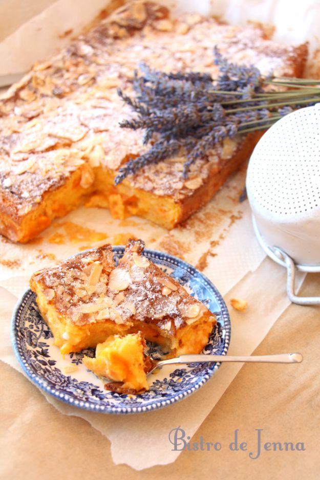 By///Jenna Maksymiuk : Flan aux abricots et croquants d'amandes