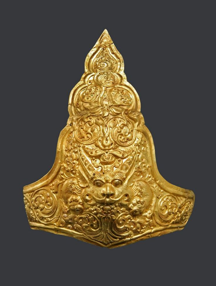 Indonesia ~ Java | Armguard with lion; gold | ca. 9th - 10th century