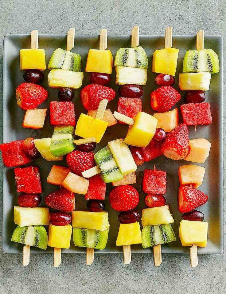 Party Spiesse mit frischem Obst gesund
