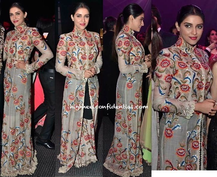 Asin In Anamika Khanna At Masala Awards 2013-1