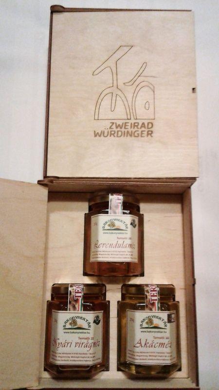 Egyedi mézes ajándékcsomag karácsonyra