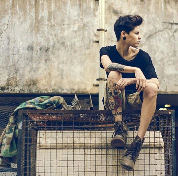 Tomboy<<uhm.... This is called punk.... O.o ≤≤it's androgyny sweetheart ;)
