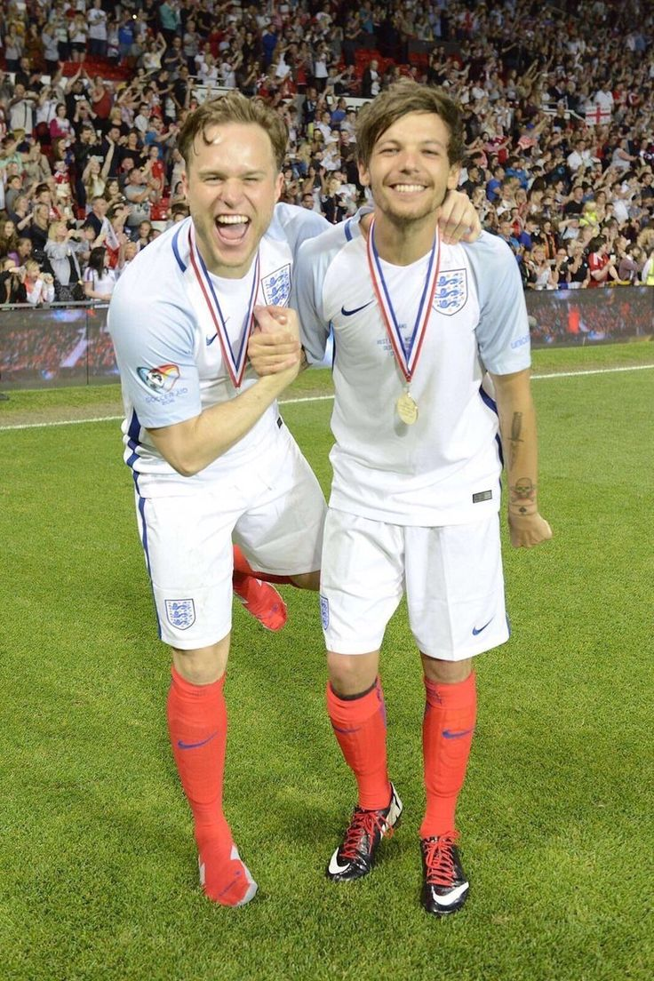 Louis and Olly << they are both so cute