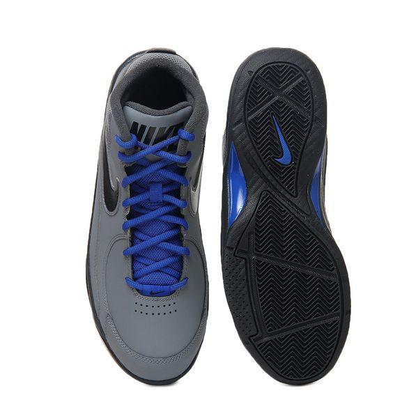 Sepatu Basket Nike The Overplay VII 511372-021 adalah sepatu basket Nike dengan harga terjangkau namun memiliki fitur yang luar biasa. Mesh pada kerah dan lidah sepatu membuat sepatu ini terasa nyaman dan memberikan ventilasi yang baik untuk kaki.
