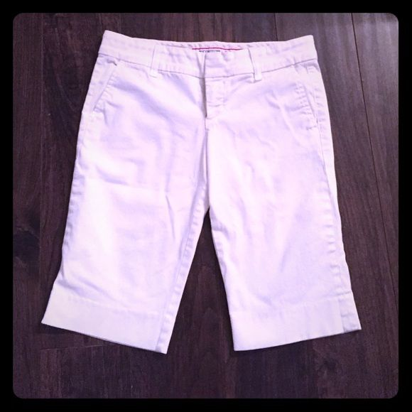 Juicy couture white Capri shorts 2 These are shorter than capris. They come right above the knee. Really cute Juicy Couture Shorts