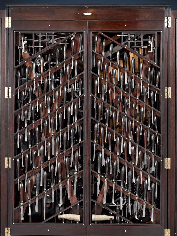 An intricate tool cabinet filled with woodworking tools has recently gone up for sale through the M.S. Rau Antiques company in New Orleans. The cabinet bears some thematic similarity to the famed H…