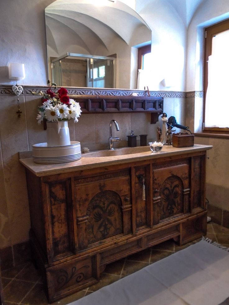 I nostri arredi soluzioni per mobili antichi e moderni for Piccoli mobili antichi