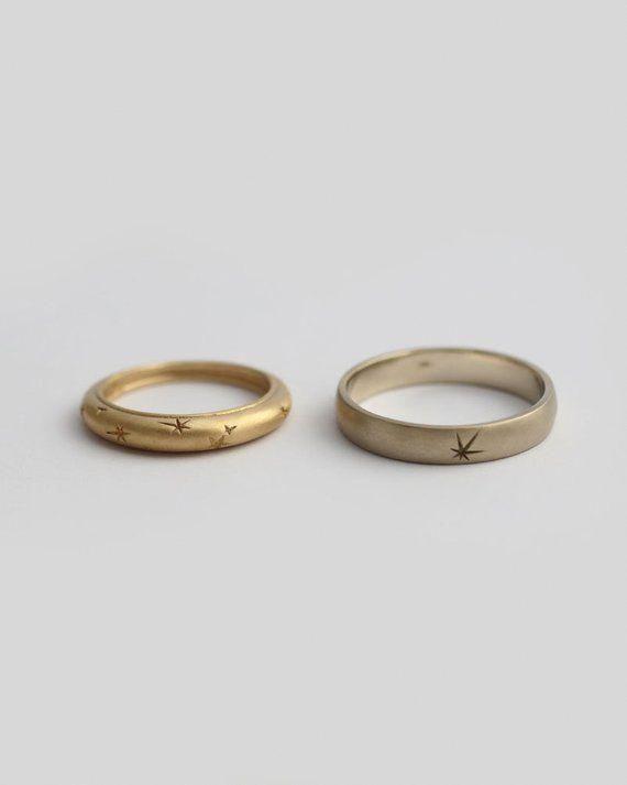18k Gold Star Ring Star Wedding Band Engraved Ring Solid Gold Ring Celestial Ring Pattern Ring Solid Gold Star Ring Matching Wedding Rings Engraved Rings Star Wedding Band