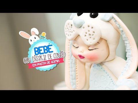Bebe Disfrazado de Conejo con pasta de goma - YouTube