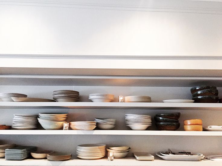 12 Quick Tips to Organize Your Kitchen! via @socialmoms #kitchen #moms #style #happiness