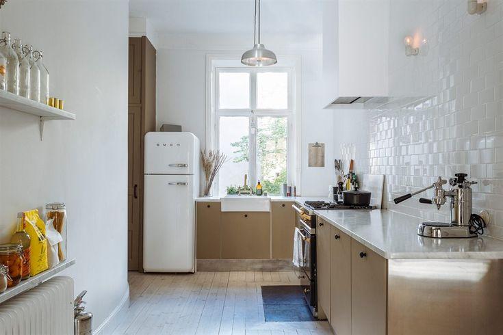Fint kök med SMEG kylskåp