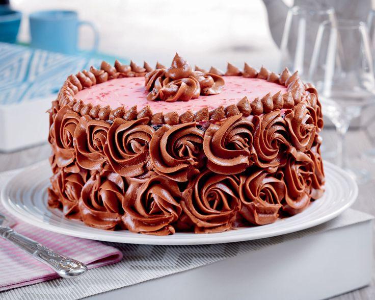 Bakelyst.no: Et kunstverk av en sjokoladekake - med bringebærfyll.
