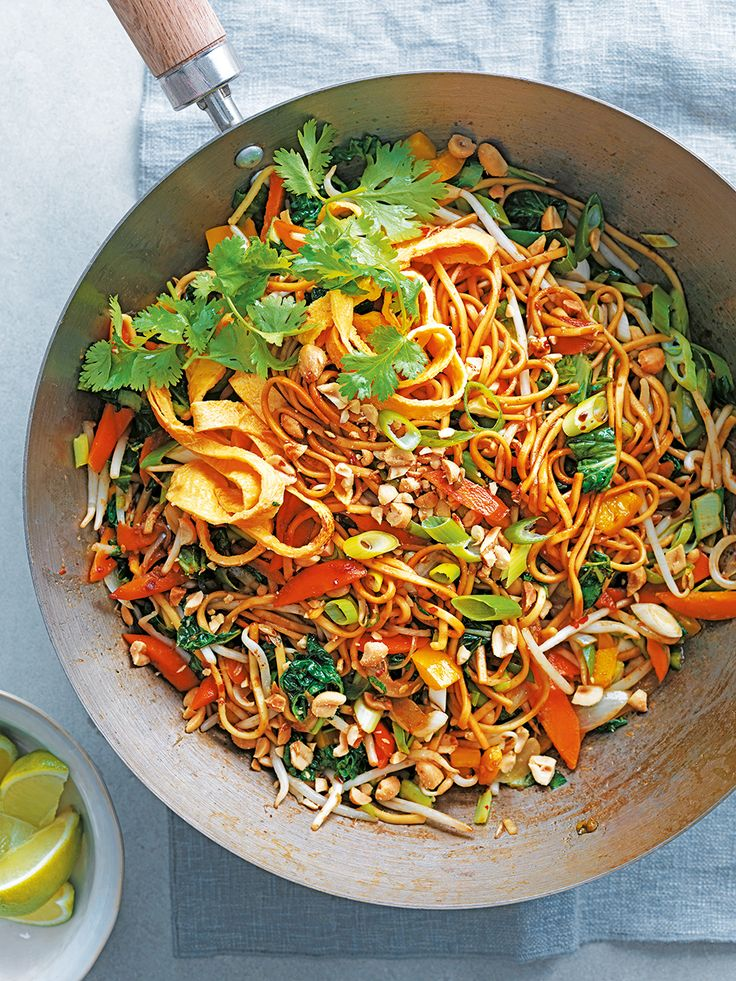 A spicy, dry, stir-fried south-east Asian noodle dish. Made with Chinese vegetables, carrots and peppers.