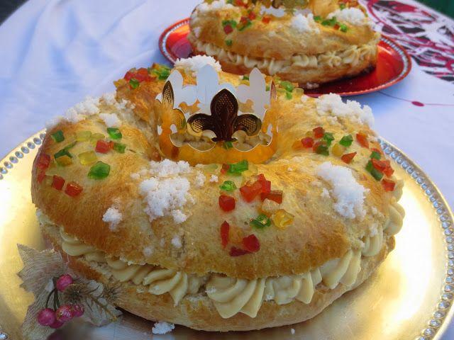 El típico Roscón de Reyes con masa madre , queda realmente esponjoso, y con paciencia en los levados, es muy sencillito. Con KitchenAid . ...
