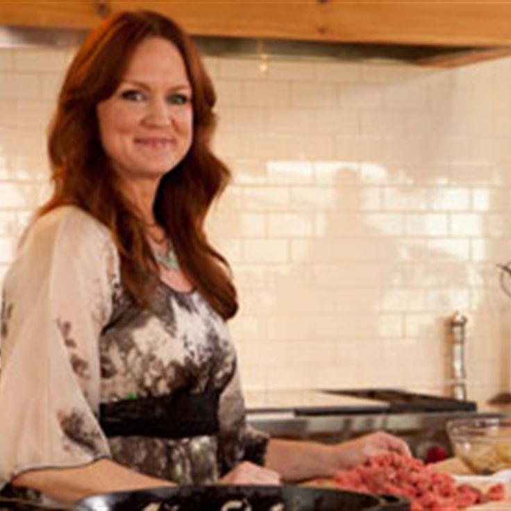 Try this Whiskey Cream Sauce recipe by Chef LifeStyle FOOD. This recipe is from the show Pioneer Woman.
