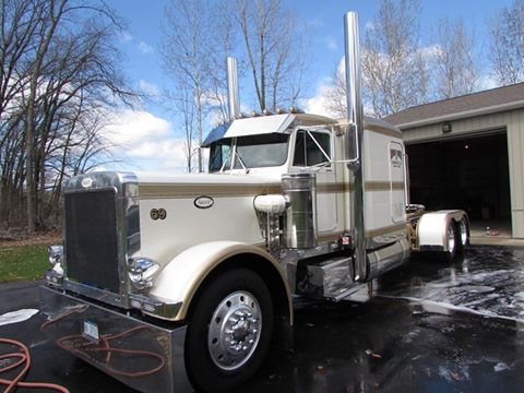 "1986 PETERBILT 359 425 B MODEL CAT 575 HP DYNO 15 SPEED 3.55 REARS  1986 PETERBILT 359 ""GOLD DIGGER"" FOR SALE!!! 1ST PLACE WINNER IN COUNTLESS NATIONAL  TRUCK SHOWS AND FEATURED IN NUMEROUS MAGAZINES INCLUDING OVERDRIVE AND SUPER RIGS CALENDERS!!"