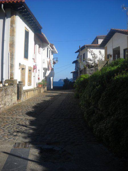 La ruta comienza en el pequeño puerto pesquero y antiguo puerto ballenero de Tazones, Villaviciosa. #asturias #spain #nature