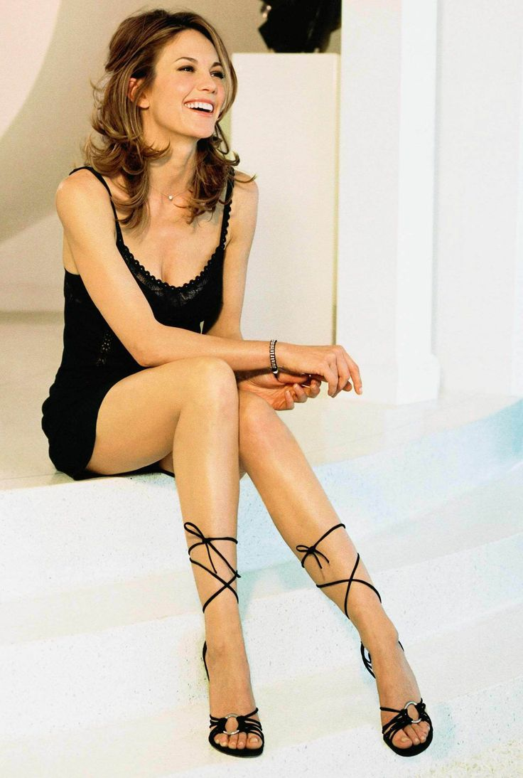 Diane Lane. ~my dream woman, and by that I mean, I hope that I can grow old as gracefully as she has... and copy that sexy classy style she has.