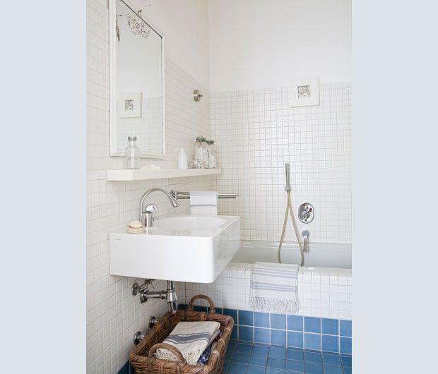 Oltre 20 migliori idee su bagni in piastrelle bianche su - Piastrelle grigie bagno ...