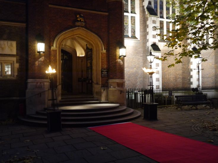 Middle Temple Hall: dramatic entrance with red carpet and flambeaux