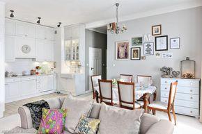 Salon z kuchnią w stylu glamour