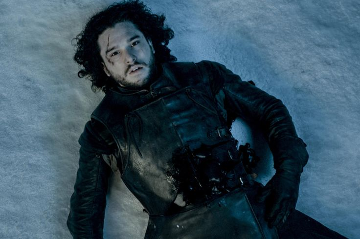 Game of Thrones' Jon Snow Has to Be Alive, Judging by These Photos