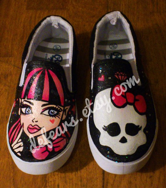 Hey, I found this really awesome Etsy listing at https://www.etsy.com/listing/166134021/monster-high-hand-painted-pumps