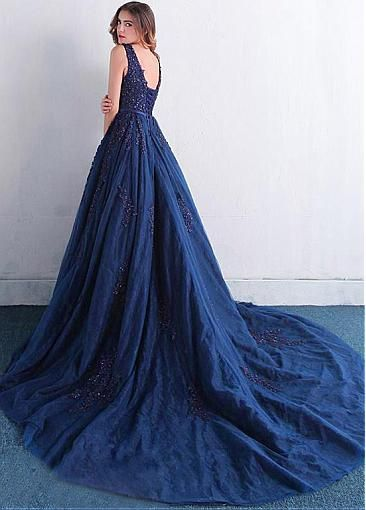 Attractive Tulle V-neck Neckline Ball Gown Quinceanera Dresses With Beaded Lace Appliques
