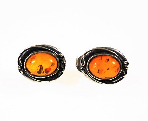 Natural baltic amber stud earrings 3g