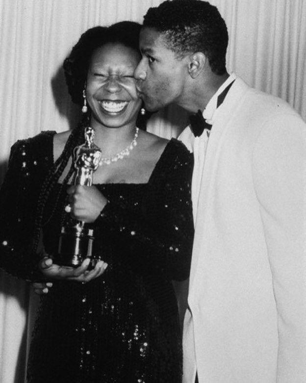 """Oscars whoopi Goldberg Denzel Washington Upscale Magazine on Instagram: """"The night she won 🏆 #WhoopiGoldberg #DenzelWashington #AcademyAwards #oscars2018 #UpscaleLifestyle"""""""