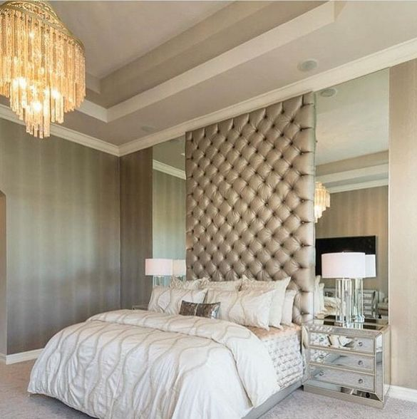 Statement wall headboard and floor to ceiling mirrors | By @alenacapradesign