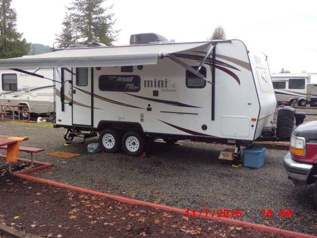 2016 Used Forest River ROCKWOOD MINI LITE 2109S Travel Trailer in Alaska AK.Recreational Vehicle, rv, Just purchased this 2016 Mini Lite Rockwood travel trailer around Halloween, but due to a death in the family it must be sold. This 2016 Mini Lite Rockwood trailer is brand new, with plenty of room for two people, or to just bring your pets along. The towing size and weight of this Mini Lite are great. Dry weight only 4202 Lbs. Our 1996 Ford F150 has had no problem towing this trailer from…