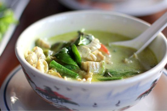 Crockpot Thai Green Curry Chicken - Weight Watchers | The Slender Kitchen