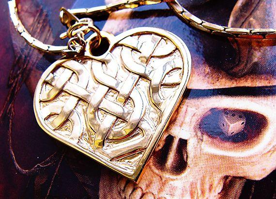 Heart shaped unique Celtic necklace.