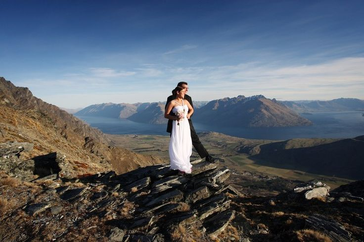 Jennifer & Sammy. June 2008. The Remarkables, Queenstown. Photograph By Alpine Image Co.